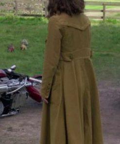 Peter Rabbit 2 Rose Byrne Brown Coat
