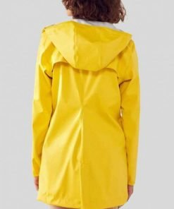 Zoeys Extraordinary Playlist Yellow RainCoat