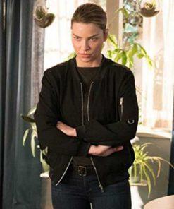 Lucifer S03 Chloe Decker Starring in Black Bomber Jacket